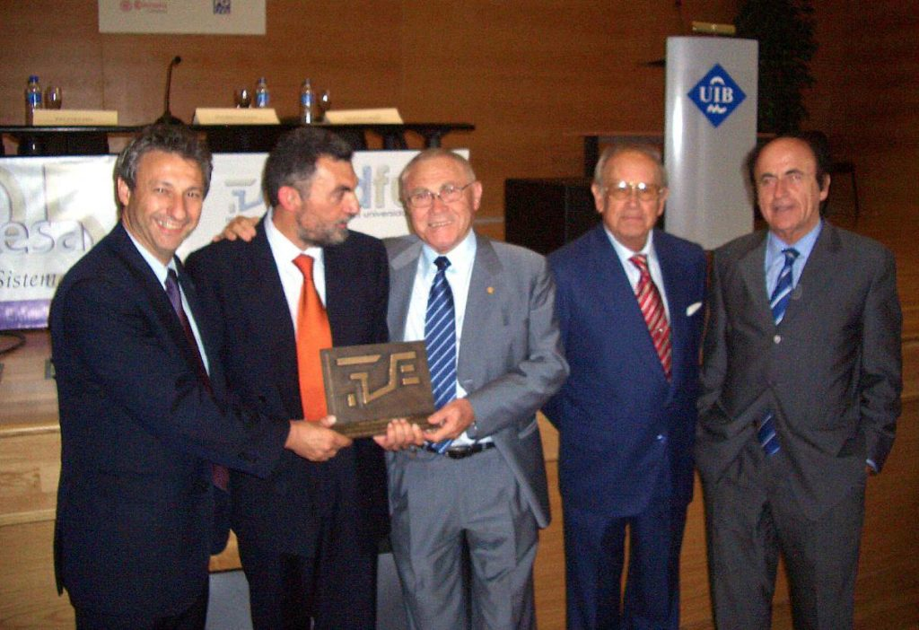Award for ITC's track record. University-Business Foundation Madrid